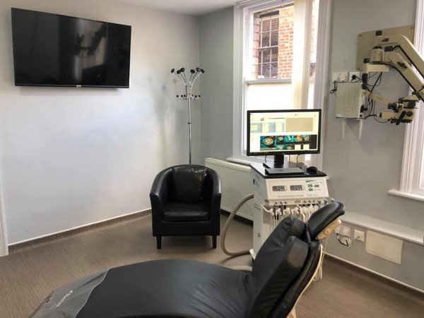 Microscope Endodontic Treatment Room